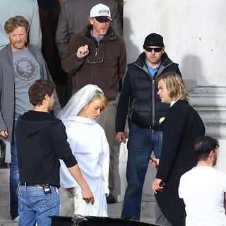 Ron Howard, Olivia Wilde, Chris Hemsworth in Filming Takes Place for Rush