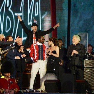 will.i.am, Cheryl Cole, Tom Jones, Paul McCartney in The Diamond Jubilee Concert