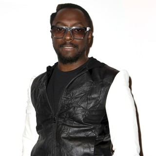 will.i.am Attends The French Press Conference for The Launch of His Album - will-i-am-launch-his-album-03