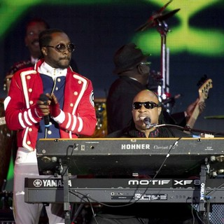 will.i.am, Stevie Wonder in The Diamond Jubilee Concert