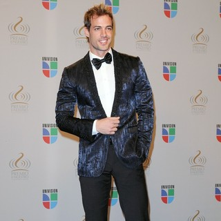 William Levy in Univisions 2010 Premio Lo Nuestro a La Musica Latina Awards