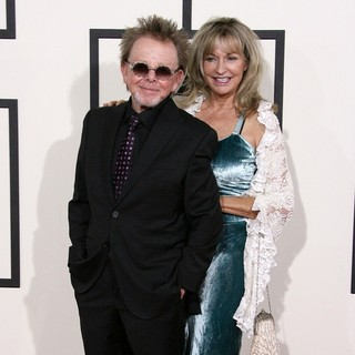 Paul Williams, Mariana Williams in The 56th Annual GRAMMY Awards - Arrivals
