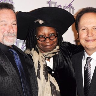 Robin Williams, Whoopi Goldberg, Billy Crystal in The Face of Tisch Gala Benefiting The Tisch School of The Arts 2010 - Arrivals