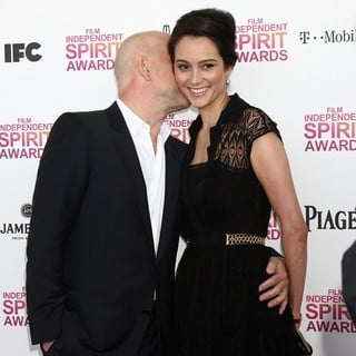Bruce Willis, Emma Heming in 2013 Film Independent Spirit Awards - Arrivals
