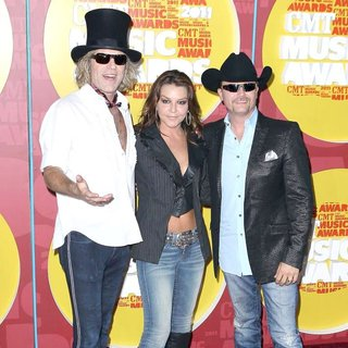 Gretchen Wilson, Big & Rich in 2011 CMT Music Awards