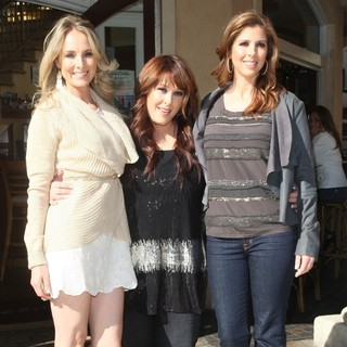 Wilson Phillips Film An Interview for The Entertainment Television News Programme Extra