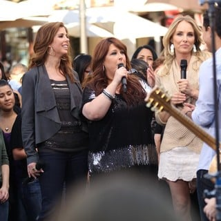 Wilson Phillips in Wilson Phillips Film An Interview for The Entertainment Television News Programme Extra