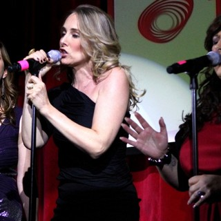 Wilson Phillips Perform Songs from Their Album Christmas in Harmony