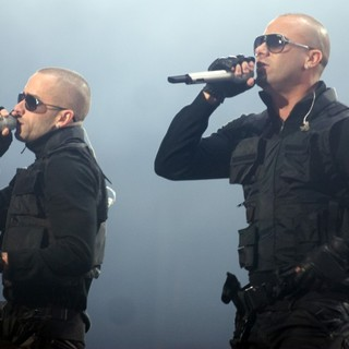 Wisin & Yandel in Wisin Yandel Perform on Their Revolution Tour