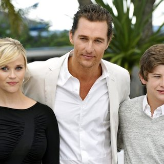 Reese Witherspoon, Matthew McConaughey, Tye Sheridan in Mud Photocall During The 65th Annual Cannes Film Festival