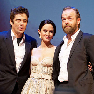 Benicio Del Toro, Emily Blunt, Hugo Weaving in Russian Premiere of 'The Wolfman'