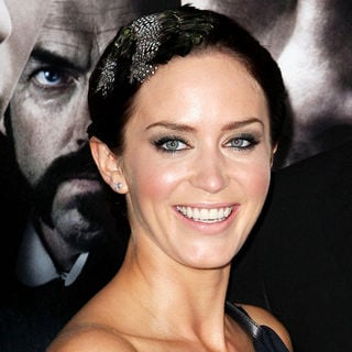 Emily Blunt in Premiere of 'The Wolfman' - Red Carpet