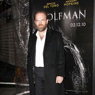 Hugo Weaving in Premiere of 'The Wolfman' - Red Carpet - wolfman_premiere_32_wenn2736742