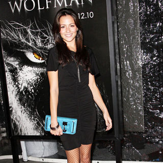 Italia Ricci in Premiere of 'The Wolfman' - Red Carpet