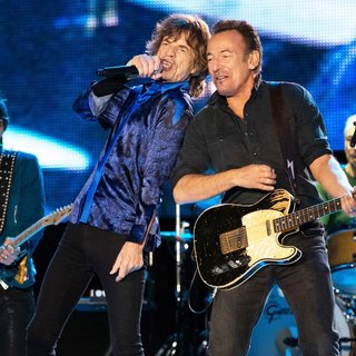 The Rolling Stones in Rock in Rio Lisboa - Day 2 - Performances - wood-jagger-springsteen-watts-rock-in-rio-lisboa-02