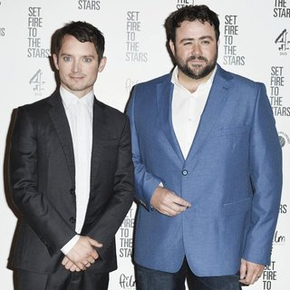 Elijah Wood, Celyn Jones in UK Premiere Set Fire to the Stars - Arrivals