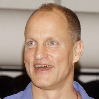 Woody Harrelson in Meet and Greet with The Cast of Bullet for Adolf - woody-harrelson-meet-and-greet-with-cast-bullet-for-adolf-02