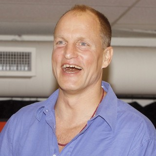 Woody Harrelson in Meet and Greet with The Cast of Bullet for Adolf - woody-harrelson-meet-and-greet-with-cast-bullet-for-adolf-03