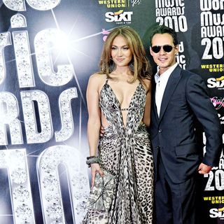 Jennifer Lopez, Marc Anthony in 2010 World Music Awards - Arrivals