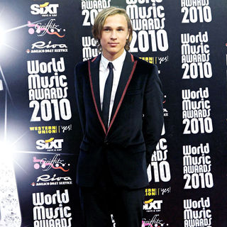 William Moseley in 2010 World Music Awards - Arrivals