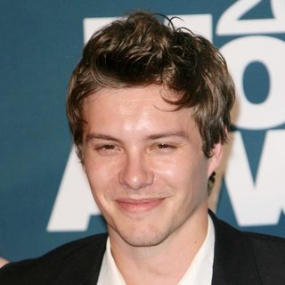 Xavier Samuel in 2011 MTV Movie Awards - Press Room