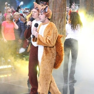 Ylvis Peform Live on The Today Show as Part of The NBC Toyota Concert Series