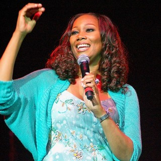 Yolanda Adams in Yolanda Adams Performs at The Mother's Day to Remember Concert