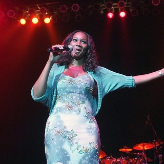 Yolanda Adams - Yolanda Adams Performs at The Mother's Day to Remember Concert