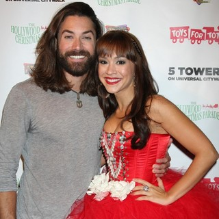 Ace Young, Diana DeGarmo in 2011 Hollywood Christmas Parade Concert