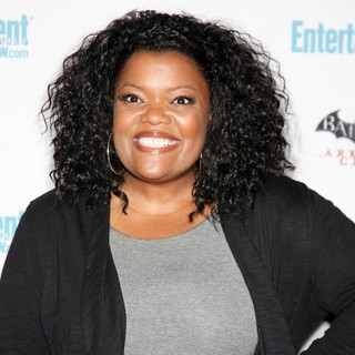 Yvette Nicole Brown in Comic Con 2011 Day 3 - Entertainment Weekly Party - Arrivals