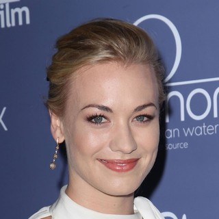Yvonne Strahovski in Australians in Film Awards and Benefit Dinner 2012 - Arrivals - yvonne-strahovski-australians-in-film-awards-and-benefit-dinner-2012-01