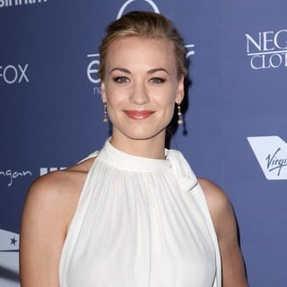 Yvonne Strahovski in Australians in Film Awards and Benefit Dinner 2012 - Arrivals - yvonne-strahovski-australians-in-film-awards-and-benefit-dinner-2012-02