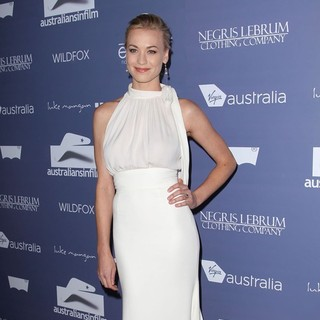 Yvonne Strahovski in Australians in Film Awards and Benefit Dinner 2012 - Arrivals - yvonne-strahovski-australians-in-film-awards-and-benefit-dinner-2012-03