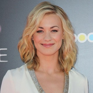 Yvonne Strahovski in Katy Perry: Part of Me Los Angeles Premiere - yvonne-strahovski-premiere-katy-perry-part-of-me-01