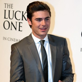 Zac Efron in Australian Premiere of The Lucky One - zac-efron-australian-premiere-the-lucky-one-04