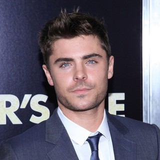 Zac Efron in New York Premiere of New Year's Eve - Arrivals