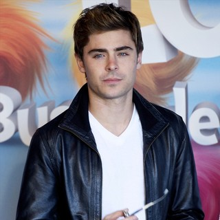 Zac Efron in Photocall and Signing for The Release of The Lorax - zac-efron-photocall-the-lorax-03