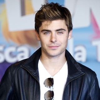 Zac Efron in Photocall and Signing for The Release of The Lorax