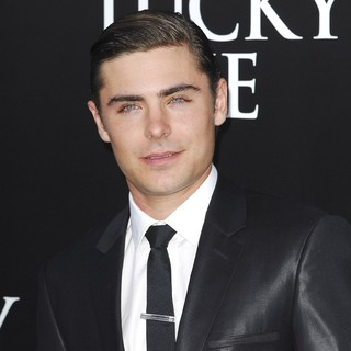 Zac Efron in The Premiere of The Lucky One - zac-efron-premiere-the-lucky-one-02