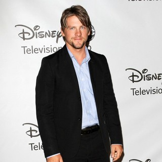 Zachary Knighton in 2011 Disney ABC Television Group Host Summer Press Tour - zachary-knighton-2011-disney-abc-summer-press-tour-02
