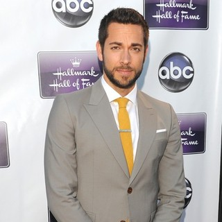 Zachary Levi in Los Angeles Premiere of Remember Sunday - zachary-levi-premiere-remember-sunday-02