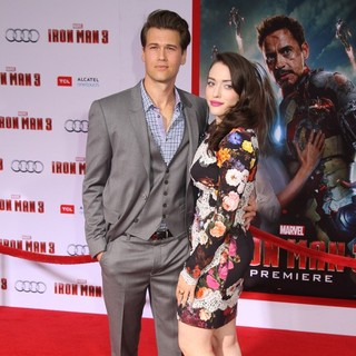 Nick Zano, Kat Dennings in Iron Man 3 Los Angeles Premiere - Arrivals