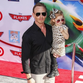 Ian Ziering, Mia Loren Ziering in Los Angeles Premiere of Disney's Planes
