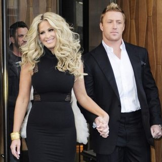 Kim Zolciak - Kim Zolciak and Kroy Biermann Leaving Their Hotel