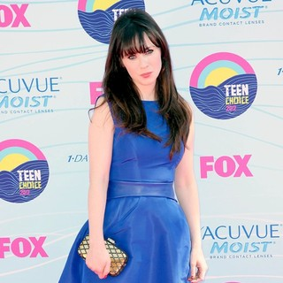 Zooey Deschanel in The 2012 Teen Choice Awards - Arrivals