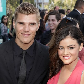 Chris Zylka, Lucy Hale in 2012 MTV Movie Awards - Arrivals