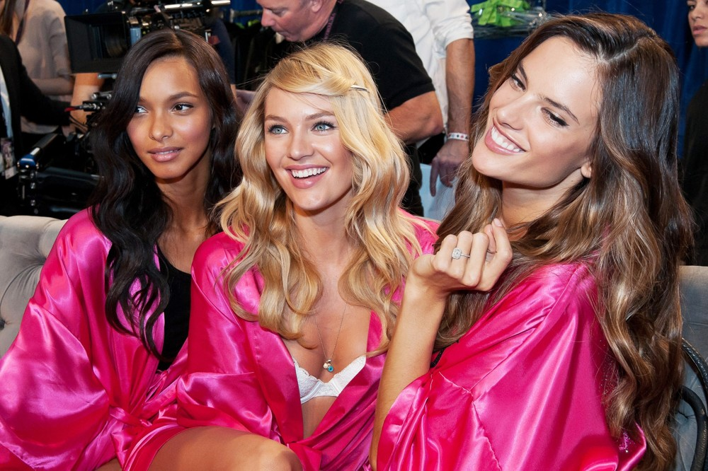 2011 Victoria's Secret Fashion Show - Backstage