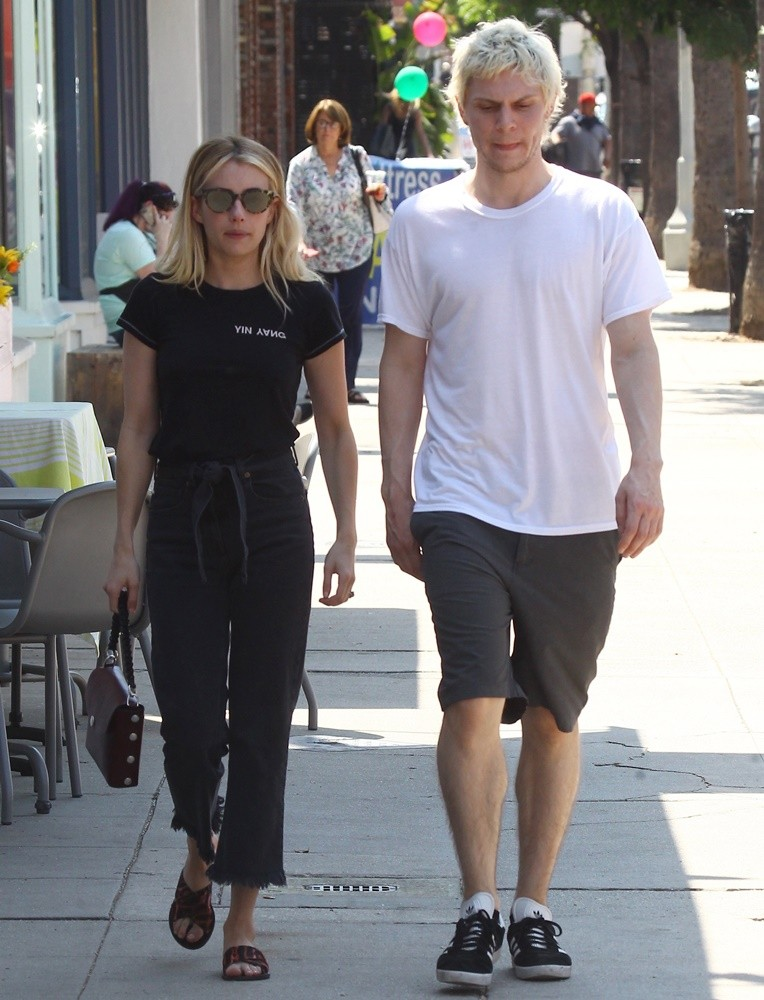 Emma Roberts, Evan Peters<br>Emma Roberts and Evan Peters Spotted Together in The Studio City Neighborhood