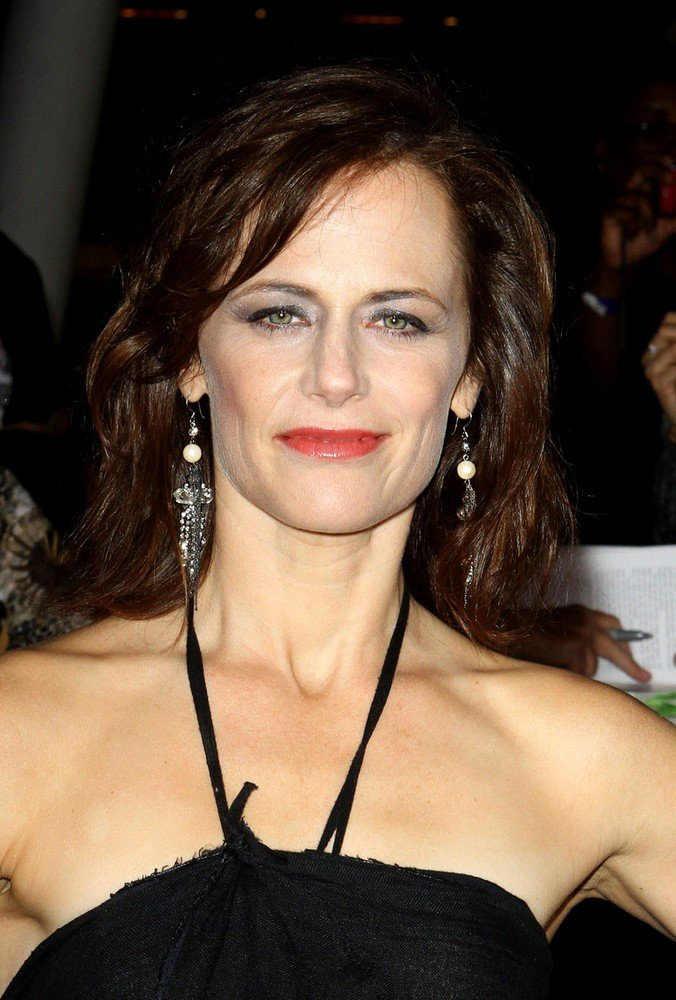 Sarah Clarke Net Worth