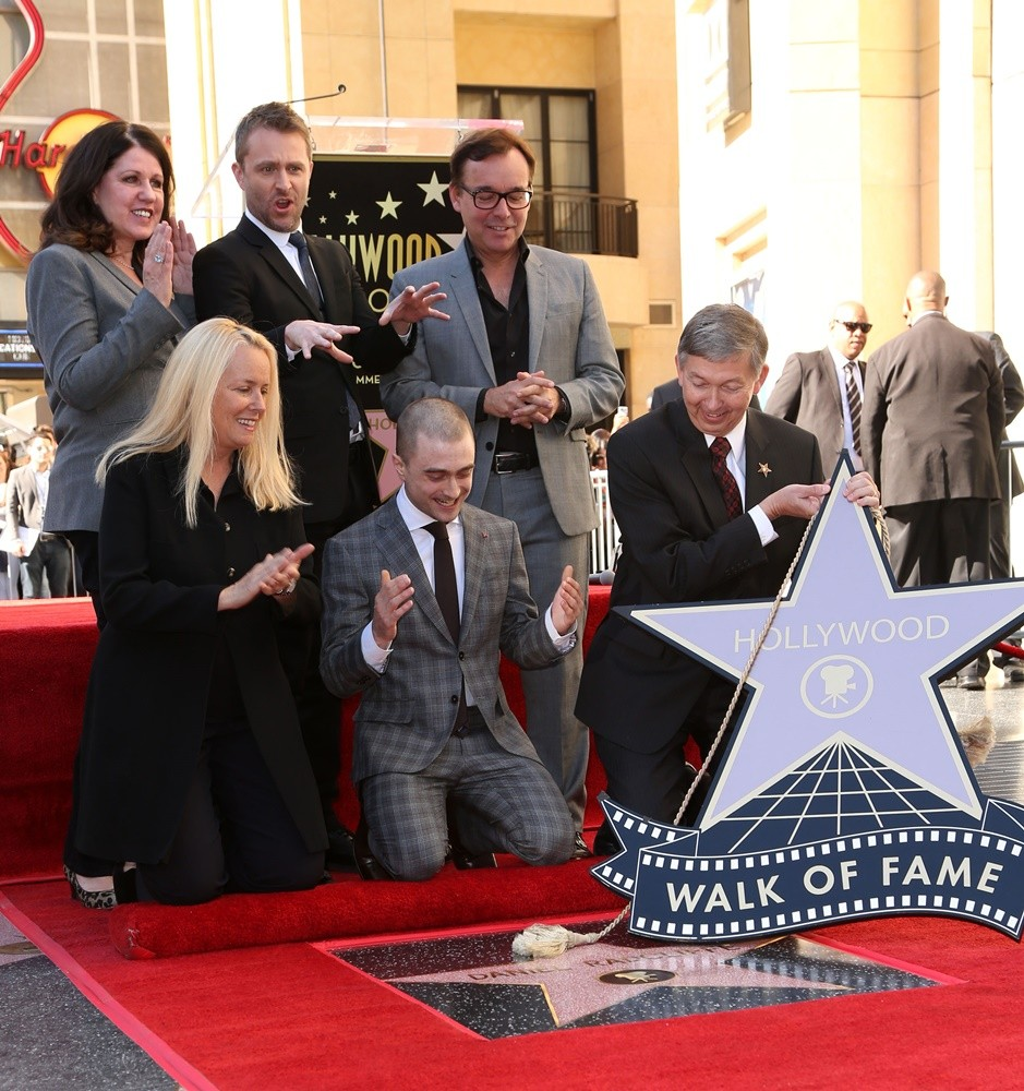 Maureen Schultz, Chris Hardwick, Daniel Radcliffe, Chris Columbus, Leron Gubler<br>Daniel Radcliffe Honored with Star on The Hollywood Walk of Fame